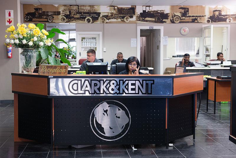 C18 Clark & Kent